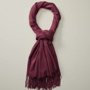 LOVE AND LORE SUPERSOFT SCARF SOLIID BERRY